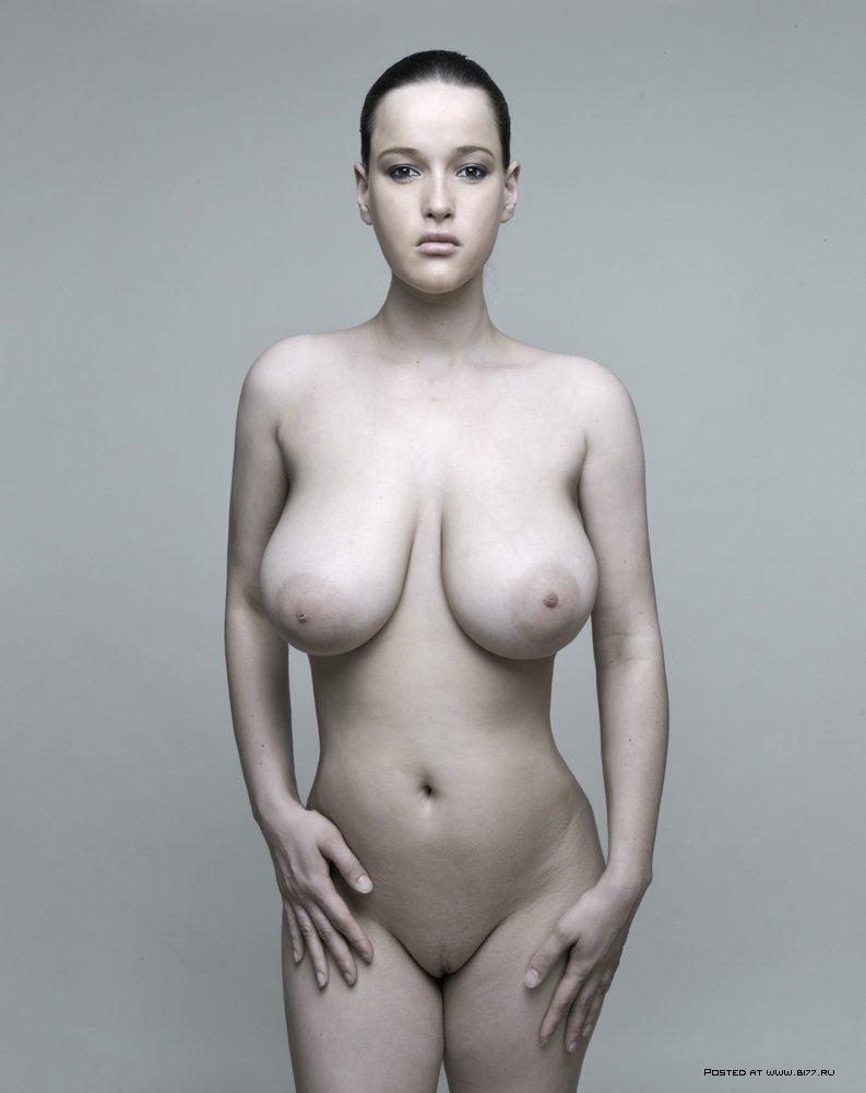 видео большие груди натуральные у молодой красивой